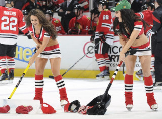 NHL Hockey Betting:  Chicago Blackhawks at Anaheim Ducks&h=235&w=320&zc=1