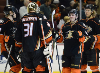 NHL Hockey Betting:  Vancouver Canucks at Anaheim Ducks&h=235&w=320&zc=1