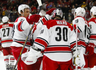 NHL Hockey Betting:  Carolina Hurricanes at Ottawa Senators&h=235&w=320&zc=1