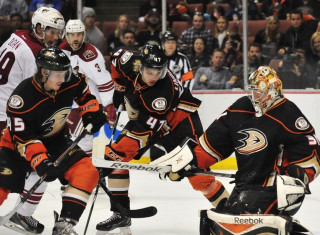 NHL Hockey Betting:  Anaheim Ducks at Winnipeg Jets&h=235&w=320&zc=1