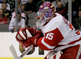 NHL Hockey Betting:  Toronto Maple Leafs at Detroit Red Wings&h=235&w=320&zc=1