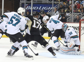 NHL Hockey Betting:  San Jose Sharks at Los Angeles Kings&h=235&w=320&zc=1