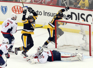 NHL Hockey Betting:  Pittsburgh Penguins at San Jose Sharks&h=235&w=320&zc=1