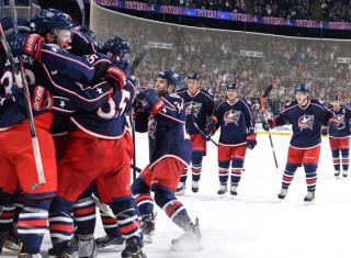 NHL Hockey Betting:  Columbus Blue Jackets at Vancouver Canucks&h=235&w=320&zc=1