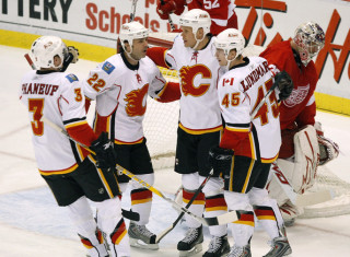 NHL Hockey Betting:  Calgary Flames at Ottawa Senators&h=235&w=320&zc=1