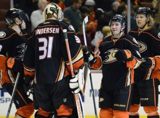 NHL Hockey Betting:  Vancouver Canucks at Anaheim Ducks&h=235&w=320&zc=1
