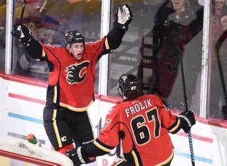 NHL Hockey Betting:  Calgary Flames at Detroit Red Wings&h=235&w=320&zc=1