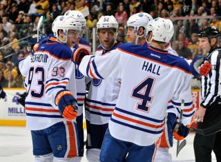 NHL Hockey Betting:  Toronto Maple Leafs at Edmonton Oilers&h=235&w=320&zc=1