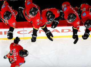 NHL Hockey Betting:  Calgary Flames at Toronto Maple Leafs&h=235&w=320&zc=1