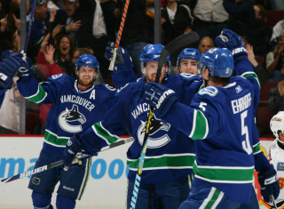 NHL Hockey Betting:  Colorado Avalanche at Vancouver Canucks&h=235&w=320&zc=1