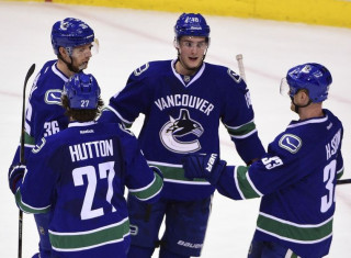 NHL Hockey Betting:  Florida Panthers at Vancouver Canucks&h=235&w=320&zc=1